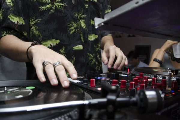 WHAT DOES THE 2019 DJ MARKET WANT?